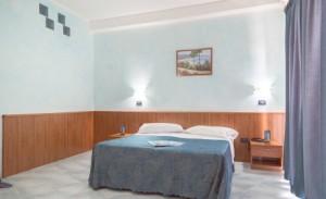 dormire-hotel-albergo-milano-san-salvo-marina-vacanza-mare-abruzzo-italia-459x280